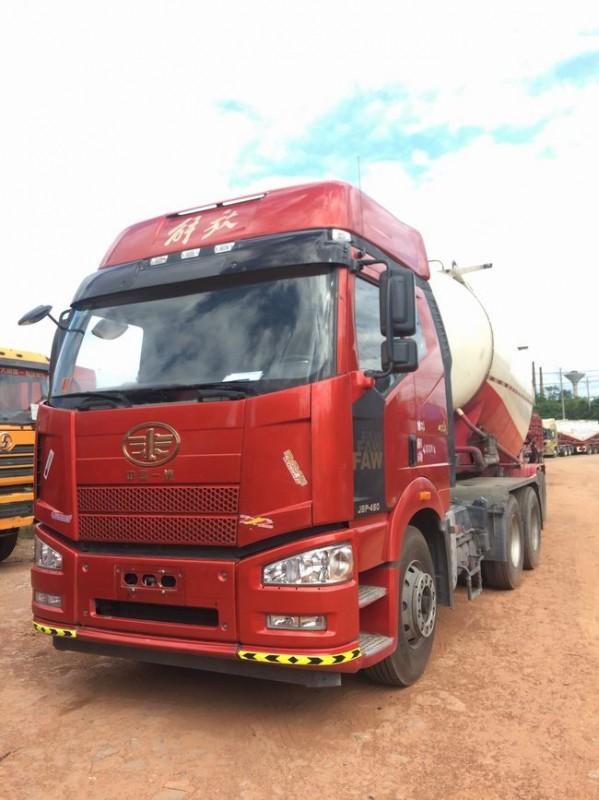 解放j6p牵引车水泥罐车、460马力